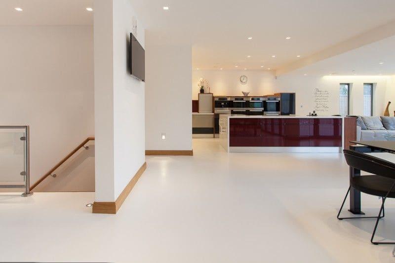 podłoga z żywicy w kuchni